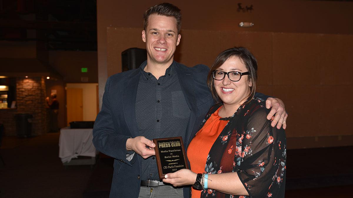 Alyssa Parga presenting the Media Excellence Award for Social Media to CSU-Pueblo Foundation